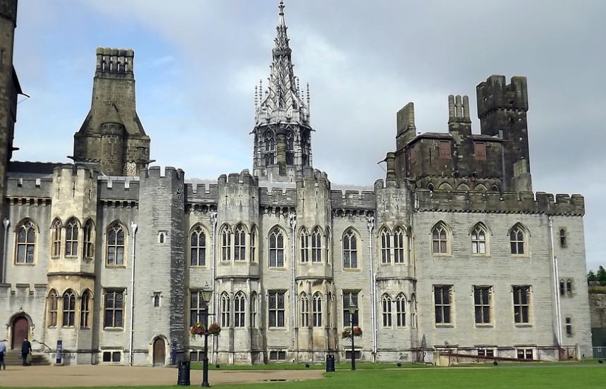19 top cardiff castle - photo #26